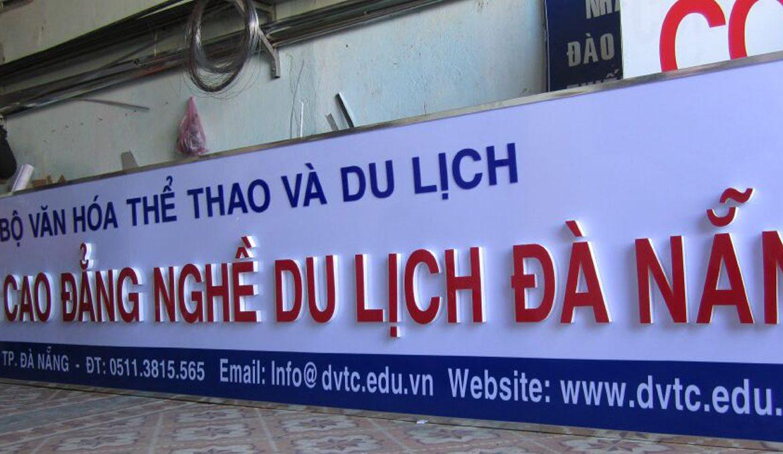Làm bảng hiệu bằng mica giá rẻ tại quận Gò Vấp
