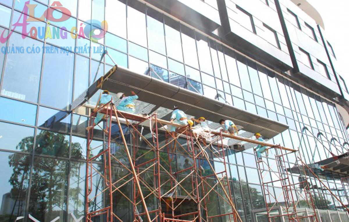 Thi công aluminium cho tòa nhà cao ốc văn phòng