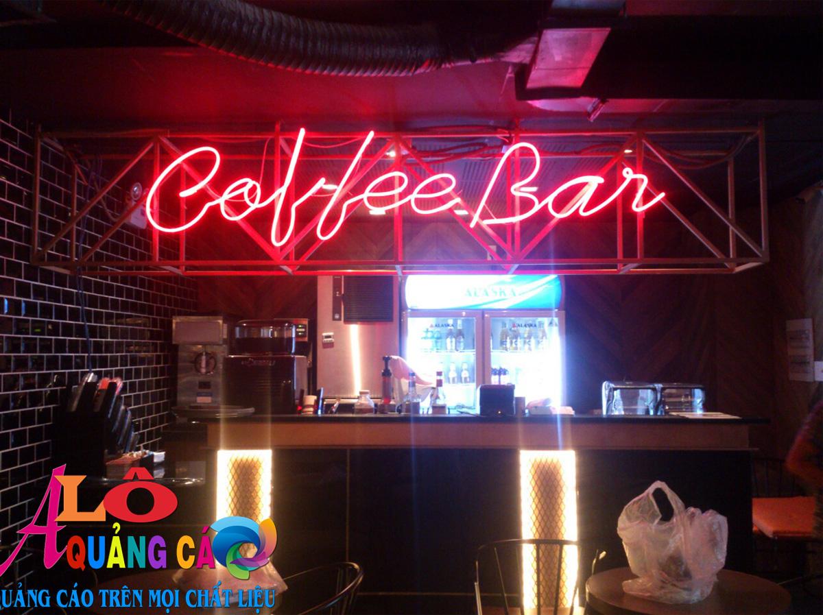 Lắp đặt hoàn thiện bộ đèn neon sign Coffee Bar tại Quận 1