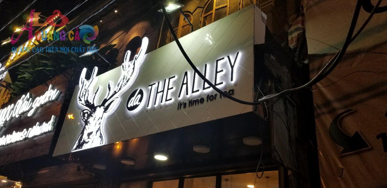 Thi công bảng hiệu quảng cáo chữ nổi mica led The Alley