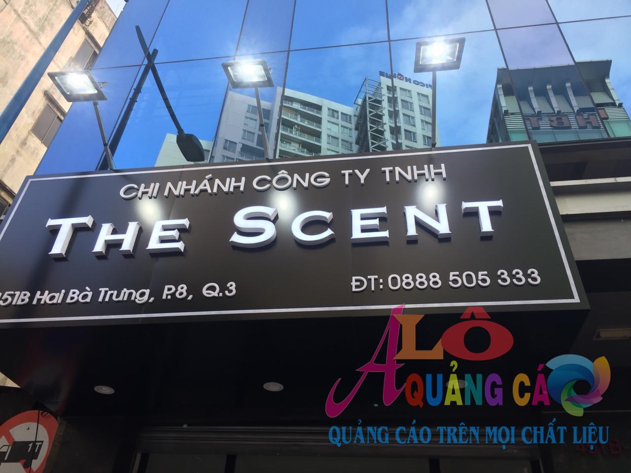 Thi công chuỗi bảng hiệu alu chữ nổi mica led The Scent Shop Quận 3