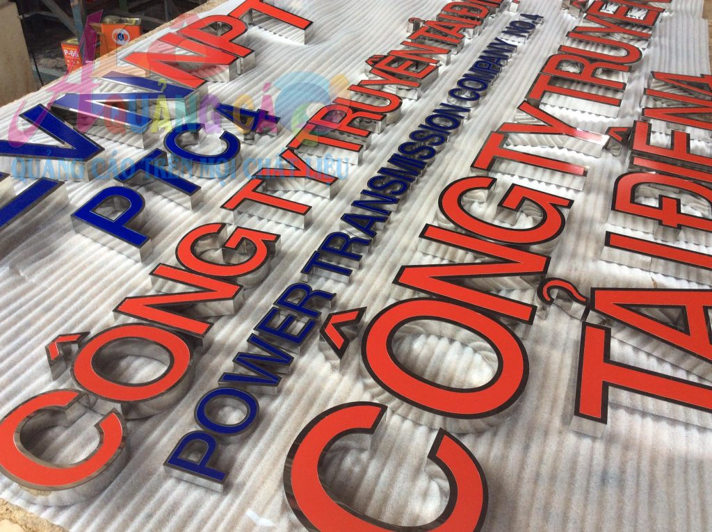 Sản xuất làm bảng hiệu inox theo yêu cầu khách hàng