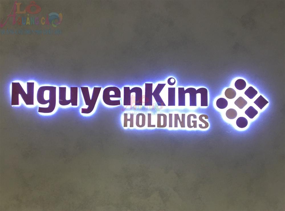 Thi công logo nổi mica led Nguyễn Kim Holding Quận 3