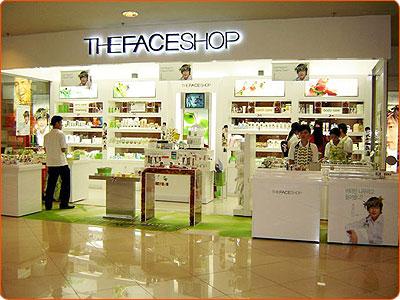 Làm bảng hiệu cửa hàng mỹ phẩm giá rẻ tại TP.HCM